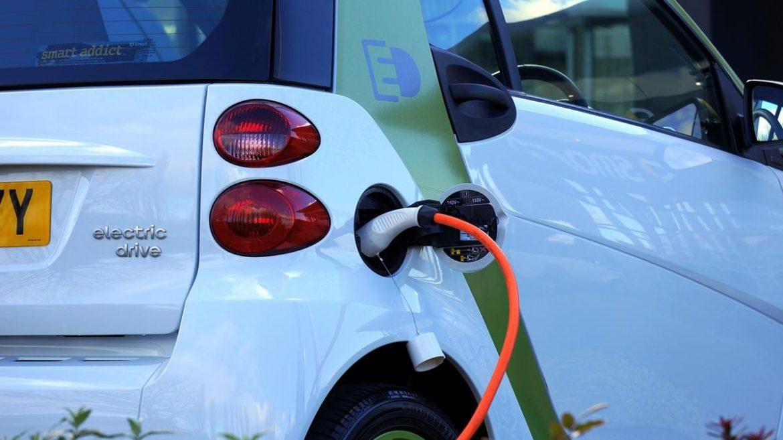 Czy samochody elektryczne są lepsze od spalinowych?